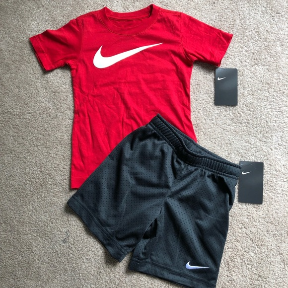 Nike Other - 4/4t Nike Outfit NWT